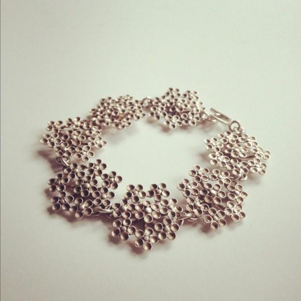 Kultateollisuus Ky Flowers Bracelet